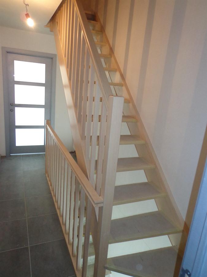Houten trappen en binnendeuren op maat gemaakt wetteren for Trap op maat bestellen